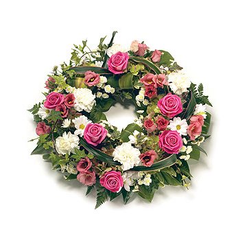 Traditional Open Round Wreath